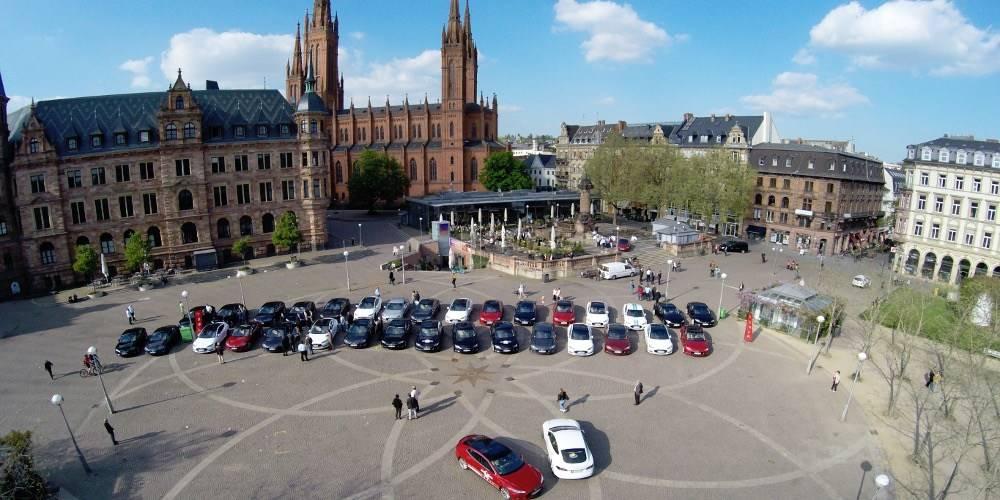 Tesla Supercharger Rallye 2015 Wiesbaden Marktpltz