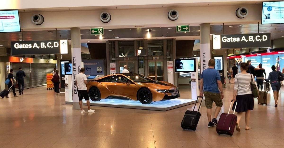 BMW i8 auf dem Flughafen Hamburg