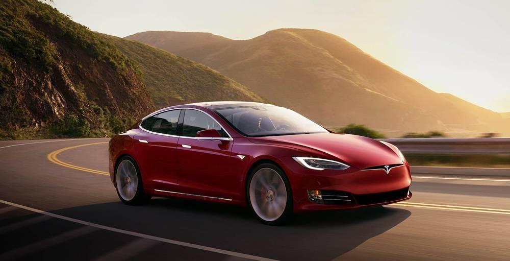 Tesla Model S P100